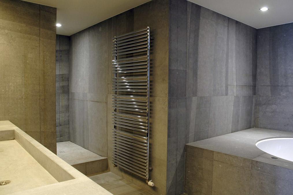 Natuursteen in uw badkamer steenkapperij den itter for Badkamer fotos